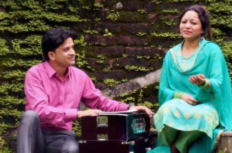 प्रोफ़ेसर अरविन्द रावत के गानों में दिखती है पहाड़ के गाँव की झलक