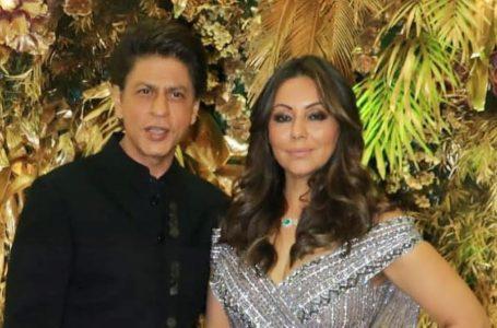 शाहरुख खान व गौरी खान का पार्टी में डांस का वीडियो वायरल